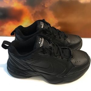 Nike Air Monarch Sz 6